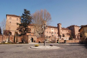 800px-Castle_of_Moncalieri_2818