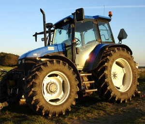 703px-Modern-tractor